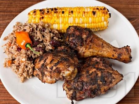 Кето печени пилешки бутчета с ароматни подправки на фурна - снимка на рецептата